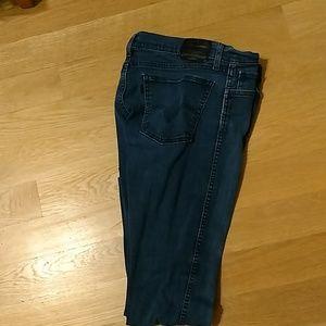 Levi's Light Dark Blue Jeans